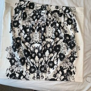 Black and White Pencil Skirt size 26 NWT by LB